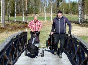Först över bron i år var Claes Gustavsson och Egon Lödahl.