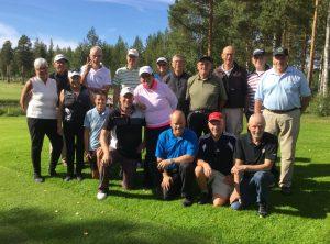 Gemensam lagbild av deltagarna från Åsele och Rossön i premiärupplagan av River Cup.